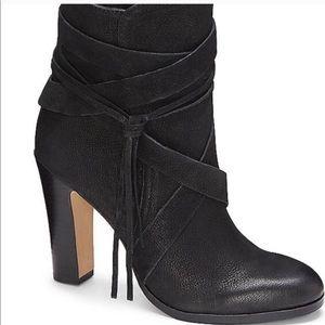 VINCE CAMUTO Ferrah Black Boot - Size 9.5